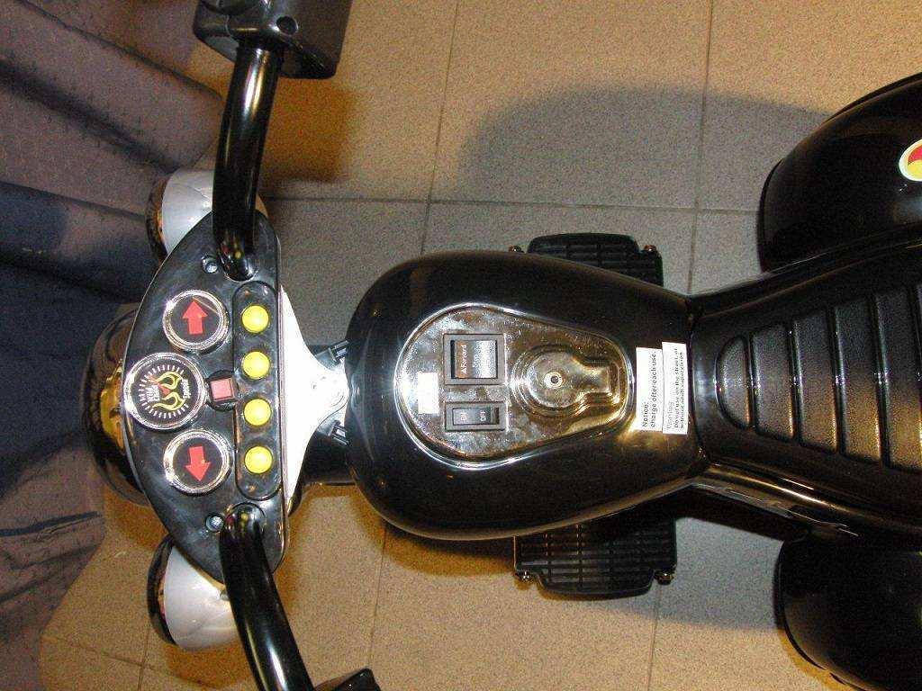 Pekecars Moto Aventura Salvaje 6V -1